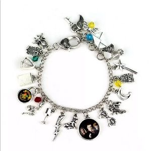 Jewelry - 🧹Harry Potter charm bracelet🧹